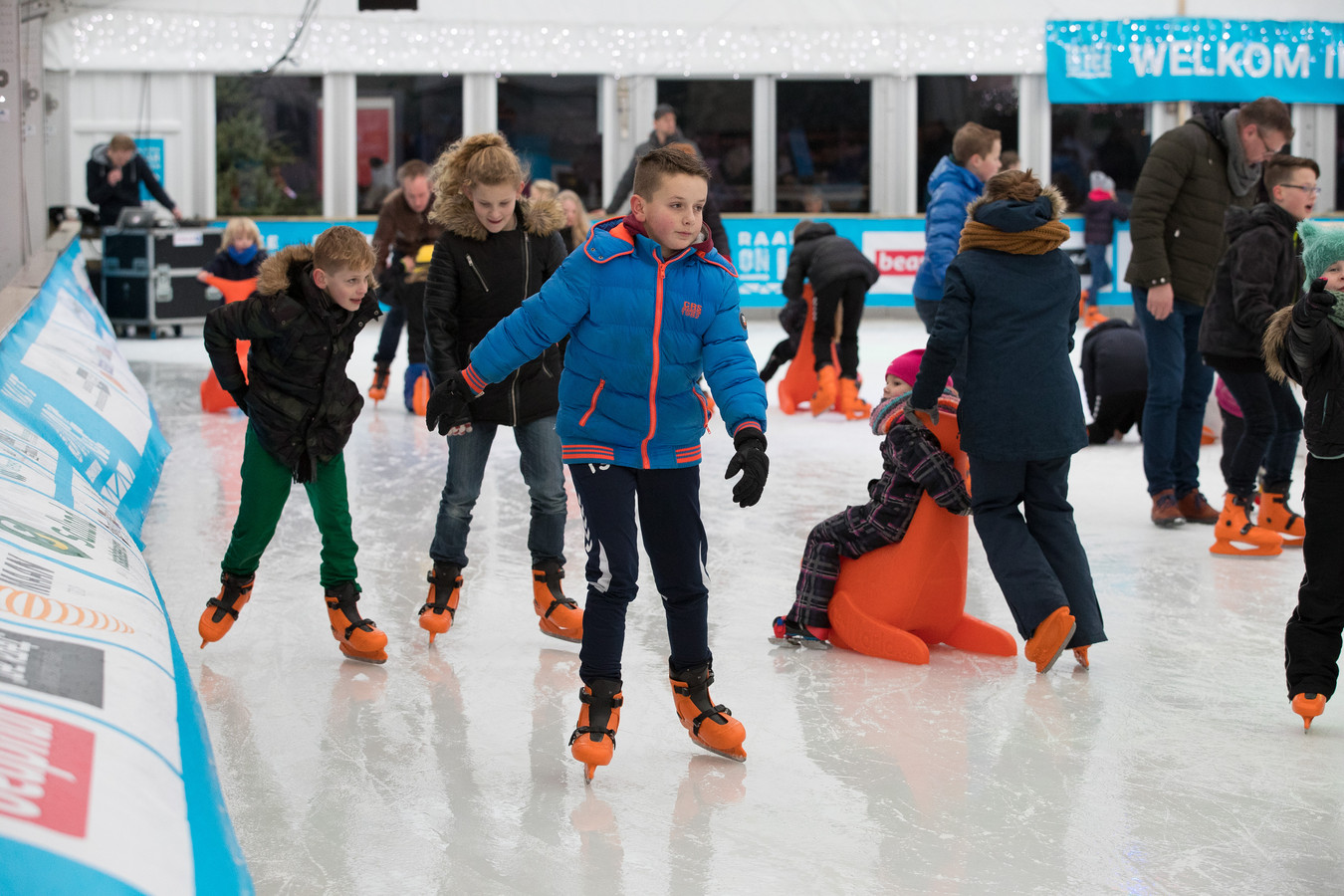 Jong en oud kunnen ook in de komende feestmaand voor ijspret terecht op de schaatsbaan van Raalte on Ice. De eerste editie was vorig jaar een doorslaand succes.