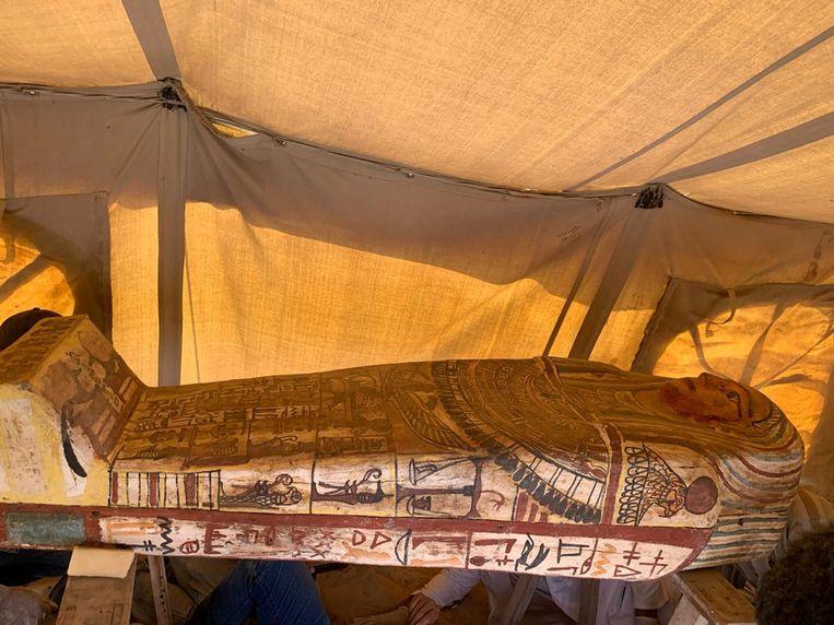 Een van de gevonden sarcofagen. Beeld Reuters