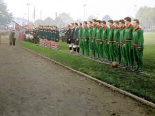 PSV-helden van weleer verschieten van kleur op nostalgische voetbalkalender