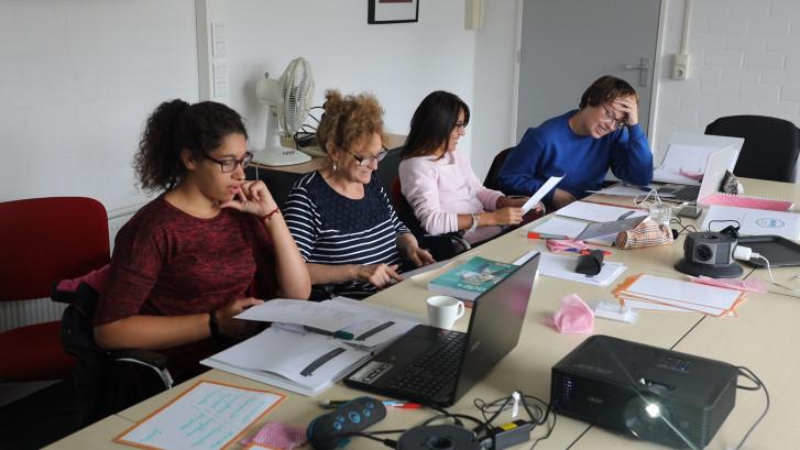 Spanjaarden bij zorginstelling Tragel krijgen Nederlandse les
