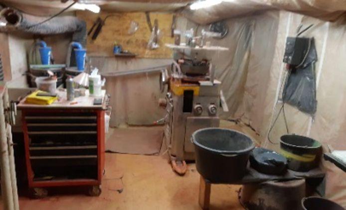 Het verborgen drugslab in een schuur in Maartensdijk.