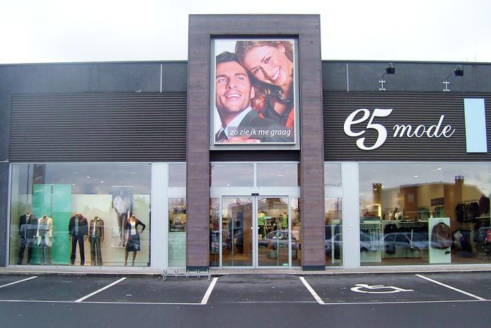 Un magasin e5 mode à Lokeren, en Flandre-Orientale.