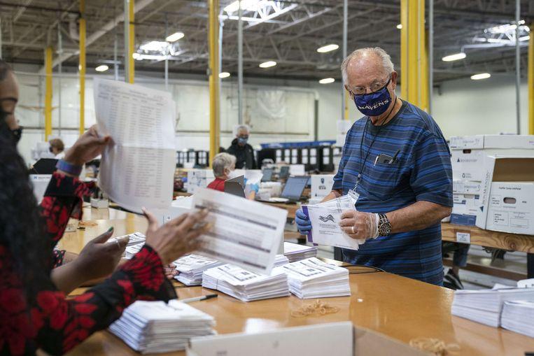 In Maryland in de Verenigde Staten worden al stemmen per post geteld.  Beeld AFP