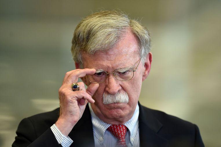 John Bolton is de gewezen nationale veiligheidsadviseur van Donald Trump. Na zijn ontslag publiceerde hij geen Twitterberichten meer. Tot nu.