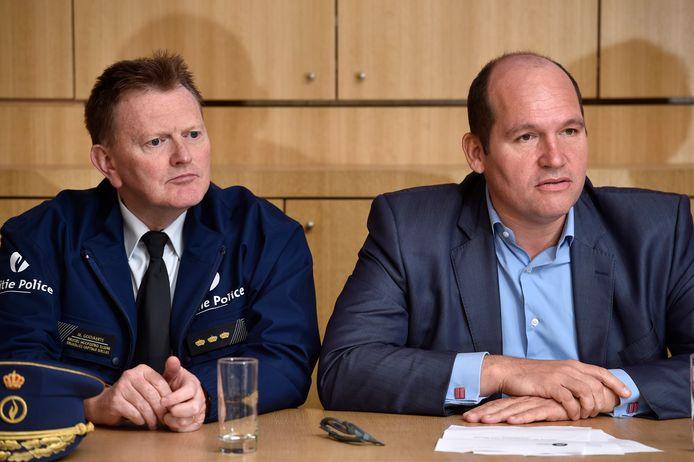 Archieffoto van commissaris Michel Goovaerts van de politiezone Brussel-Hoofdstad-Elsene en Brussels burgemeester Philippe Close (PS).