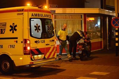 Auto rijdt door na aanrijding met scooter in Breda