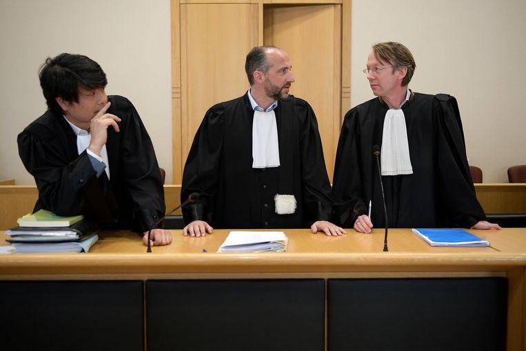 Advocaten Philip Daeninck, Bert Partoens en Jo Muylle vertegenwoordigen de familie van het slachtoffer.