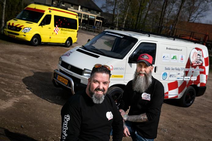 'Braboos on Tour': Pascal Delissen (links) en Wilbert Raaijmakers zijn klaar voor hun lange rally.