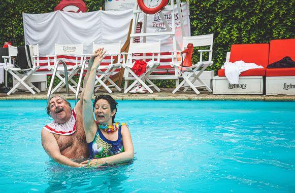 Pierke pierlala en Storms in het zwembad.