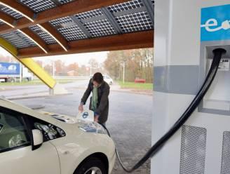 'Elektrische auto pas na 700.000 kilometer groener dan auto op benzine'