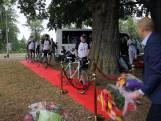 Ex-coronapatiënt fietst route die hij eerst nog met ambulance aflegde en haalt geld op