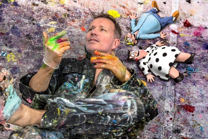 Paul Kusters met zijn creaties Toos en Henk.