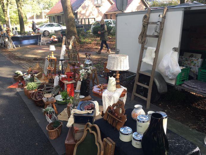 Uitstalling van curiosa op de jaarmarkt in IJhorst.