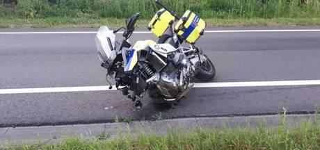 Motorrijder botst op overstekende scooter op N18