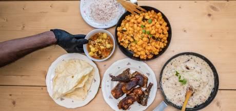 RECENSIE. Takeaway bij Chez Mahesh: 'tapas' met mango, kokos, okra en papadum