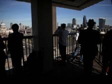 Tiener die 6-jarige van balkon Londens museum gooide bekent moordpoging