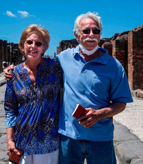 Echtpaar uit VS wacht 2,5 maand voor poorten ruïnes Pompeii: 'Cadeau voor 30-jarig huwelijk'
