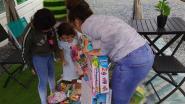 560 knutsel- en speelgoedpakketten voor gezinnen getroffen door corona