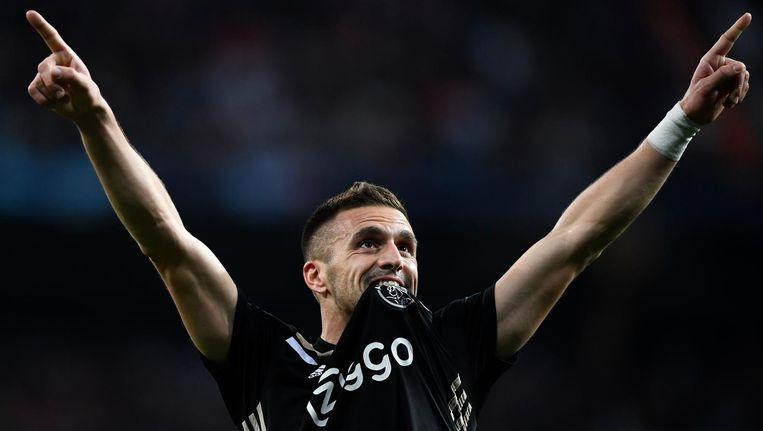 Dusan Tadic na zijn wonderschone goal tegen Real Madrid Beeld Gabriel Bouys