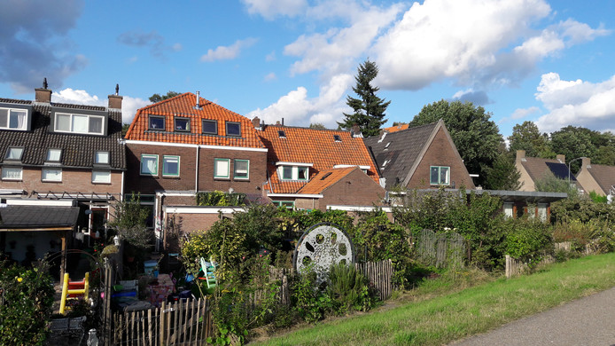 De rij woningen aan de Veerstraat in Wageningen.