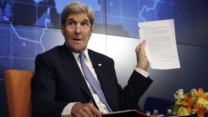 """Kerry: """"Russen en Chinezen lezen mijn mails"""""""