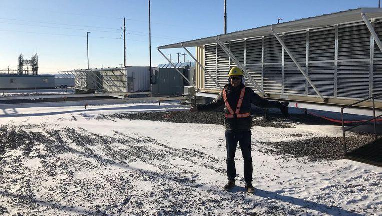Een van de containers van Hut8 in Alberta, Canada, bij min 30 graden. Beeld
