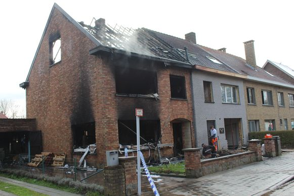 Het huis van de hoofdinspecteur en zijn gezin is vernield.