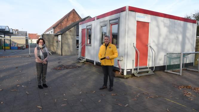 Containerklas maakt na bijna 15 jaar plaats voor nieuwbouw: gemeenteschool krijgt nieuw klaslokaal na groeiende instroom van leerlingen