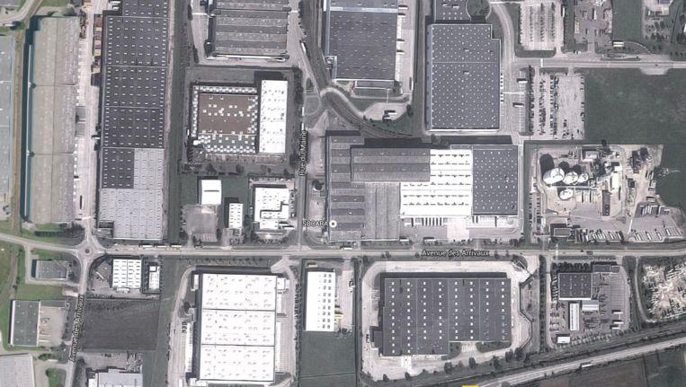 Een satellietfoto van de fabriek waar de aanslag plaatsvond. Beeld Google Earth