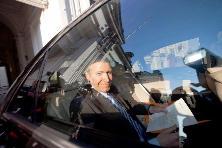 22 april 2010: Yves Leterme op weg naar de koning.