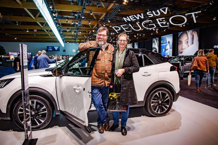 """Paul en Mirjam De Ruijter uit Gent hebben de regering-Jambon al flink vervloekt. """"We zijn verdorie te laat om een elektrische wagen te kopen, nu ze die premie hebben afgeschaft."""""""