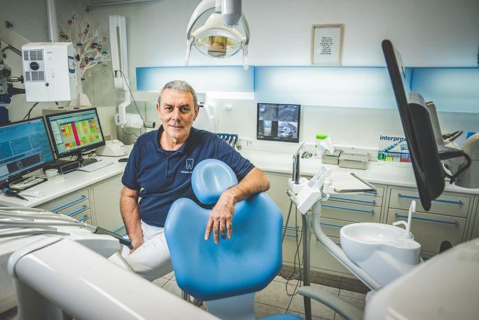 De Gentse tandarts Marc Jeannin (64) in zijn praktijk in de Peerstraat.