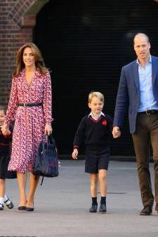 George et Charlotte font leur rentrée accompagnés de Kate et William
