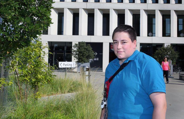 Debbie Deprez aan het AZ Groeninge, waar twee dokters haar uiteindelijk konden helpen.