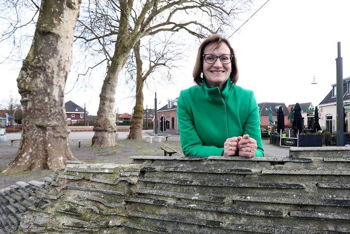 Alice Olde Reuver of Briel, D66-fractievoorzitter.