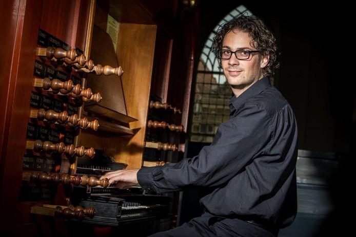 Sander van den Houten speelt tijdens zijn concert onder meer werken uit de Noord-Duitse barok.