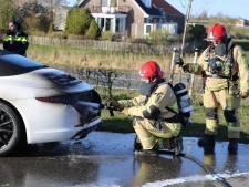 Porsche Carrera in brand op Mijdrechtse Zuwe in Amstelhoek