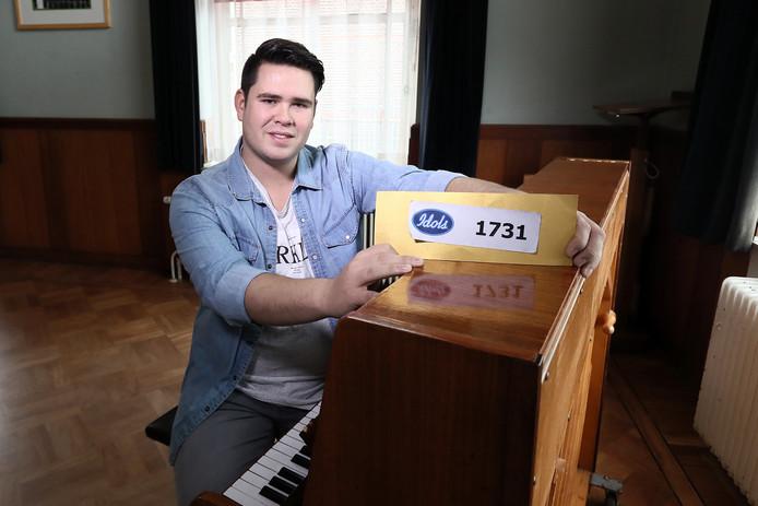 Vordenaar Timmy van Lingen is doorgedrongen tot de laatste zes deelnemers van Idols.