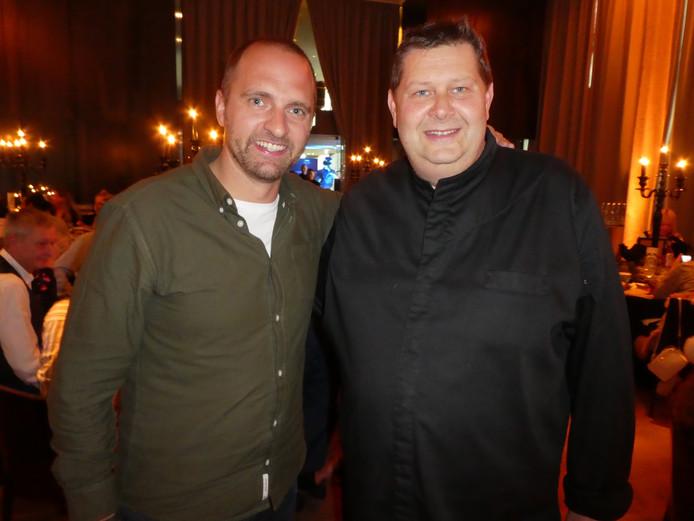 """Hessel Scheepstra (Diageo) en chefkok Schilo van Coevorden, groot fan: """"Ik ben ook niet van de draken en fantasy, maar toch bleef ik hangen."""""""