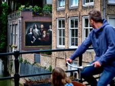 Historisch Dordts vijftal gebroederlijk vereeuwigd in muurschildering