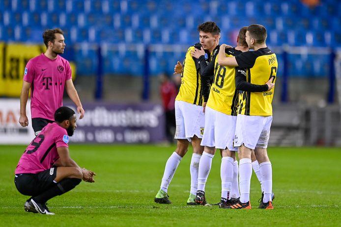 Dominik Oroz viert zijn debuut met de zege van Vitesse op FC Utrecht, terwijl Moussa Sylla treurt.