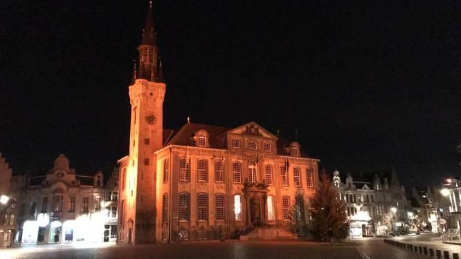 Oranje spots op stadhuis om geweld tegen vrouwen aan te klagen