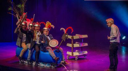 Aalst Carnaval officieel van start! Carnavalsraadszitting lacht met lekken in stadsbestuur en het Ros Beiaard