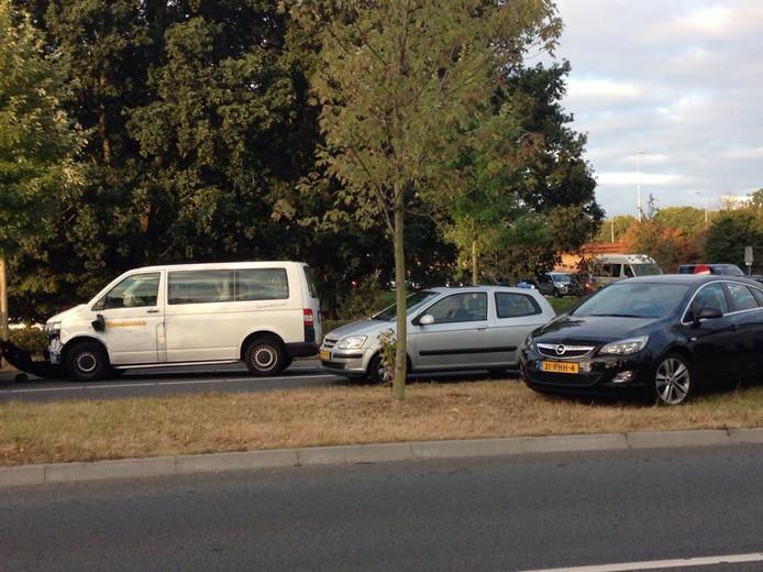 Meervoudige aanrijding ontregelt verkeer in Zwolle.