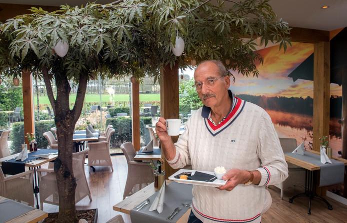Hans Lebbink, eigenaar van Sauna Drôme in Putten, heet gedupeerde Houtense klanten van harte welkom.