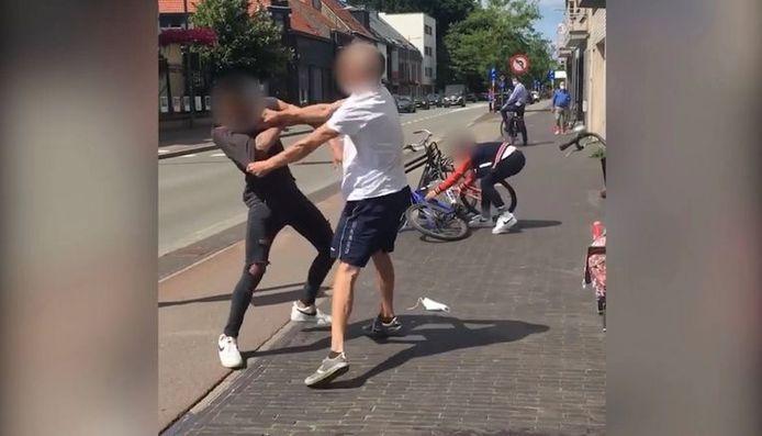 Bagarre entre un homme et un ado de 14 ans dans les rues de Kapellen.