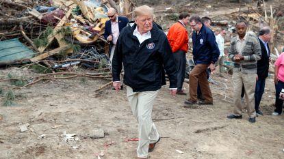 Trump bezoekt rampgebied in Alabama
