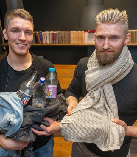 Ondernemers uit Staphorst maken sjaals van flessen en jeans