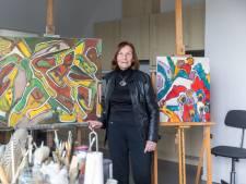 Kleurrijk boekwerk van 90-jarige Oirschotse kunstenares: 'Ik ben nog niet klaar'