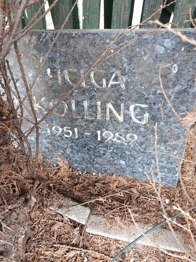 De grafsteen die gevonden is in een tuin in Dinxperlo.
